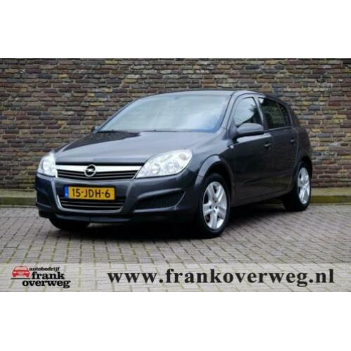 Opel ASTRA 1.6 TEMPTATION Navi Trekhaak Cruise